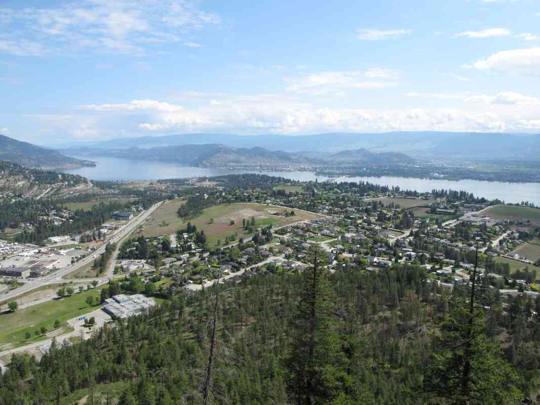 Mount Boucherie: Highway Side Ascent